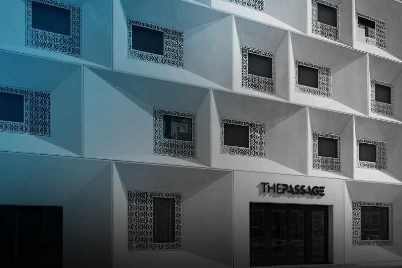 sulserdesign_Fassadenelemente_sandgestrahlt_schalungsglatt_Sichtbeton_hotel_d_thepassage_basel_1.jpg