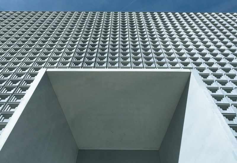 sulserdesign_Fassadenelemente_schalungsglatt_Wabenmatrize_kunstmuseum_chur_3.jpg